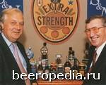 Слияние стало достоянием гласности... Руководители Scottish & Newcastle и Courage празднуют объединение своих компаний