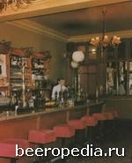 Neary's в Дублине, по соседству с театром «Гэйети» - красивый бар, любимый дублинской актерской братией