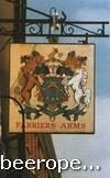 Вывеска трактира Farriers Arms («Герб кузнецов») представляет собой герб гильдии кузнецов